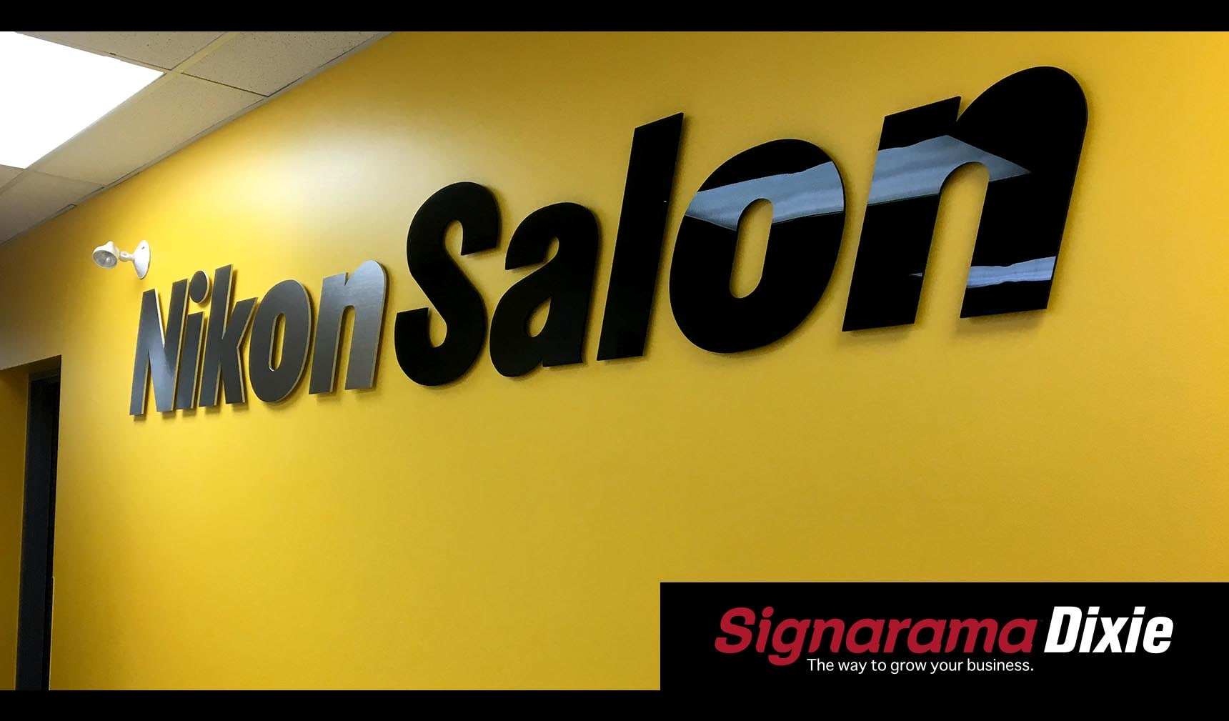 Gloss Reception Sign